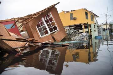 170922-hurricane-maria-puerto-rico-sg-1520_0b277c1cfcac0b5764da20dbd9856eaa.nbcnews-ux-2880-1000